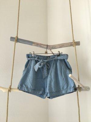 Lockere Hotpants mit Schleife von H&M in 38