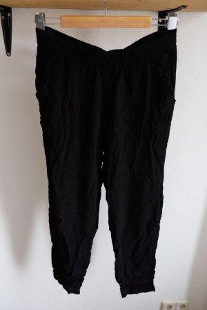 Lockere schwarze Stoffhose von H&M