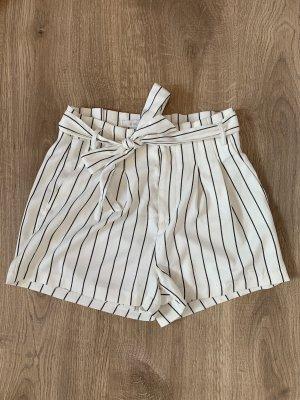 Amisu Shorts blanco-negro