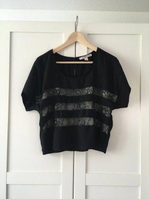 Lockeres, bequemes Shirt mit kleinen Rüschen vorne