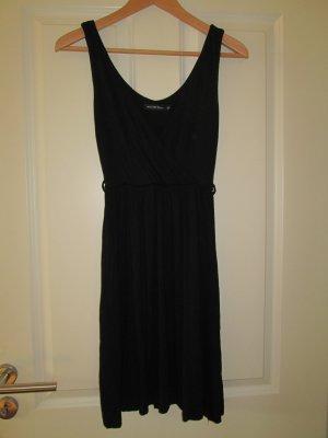 lockeres Kleid mit V-Ausschnitt
