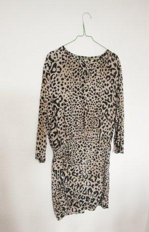 Lockeres Kleid von Zara mit Leopardenmuster