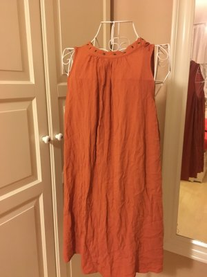 Lockeres Kleidchen mit nieten