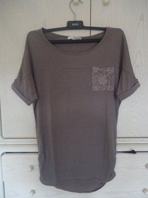 lockeres T-Shirt mit Brusttasche aus Spitze