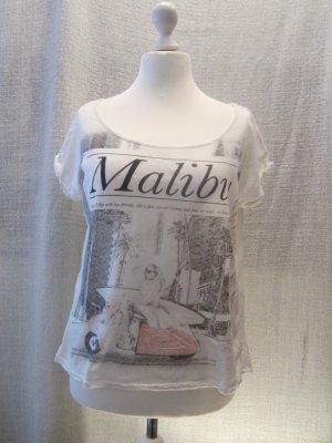 Lockersitzendes T-Shirt mit Aufdruck