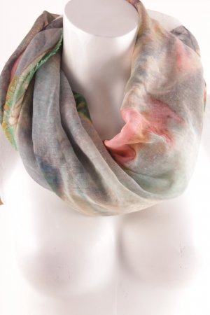 Lola Paltinger Schal abstraktes Muster Street-Fashion-Look