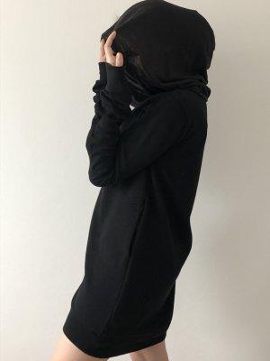 Long , langer Hoodie mit langen Ärmeln, schwarz und einer Kapuze