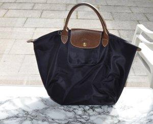 Longchamp Tasche in der Farbe Heidelbeere