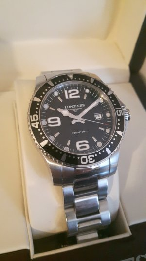 Longines Hydroconquest 39mm Quartz Unisex