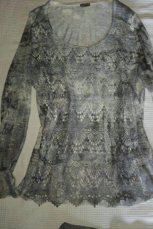 Longshirt im Batiklook mit passendem Minirock