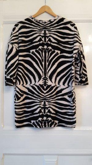 Longshirt mit Animalprint in Größe S