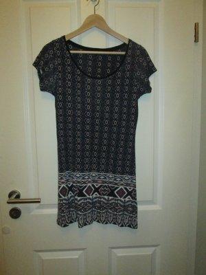 Longshirt mit hübschem Muster