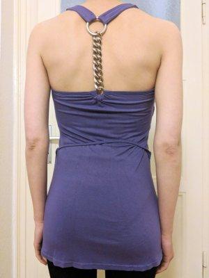 Longtop mit Kette am Rücken