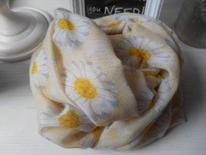 Snood primrose-white viscose
