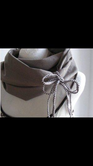 Loop-Schal in beige/ hellbraun/ weiß aus Stoff