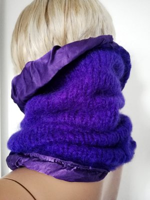 Sciarpa lavorata a maglia lilla-viola scuro