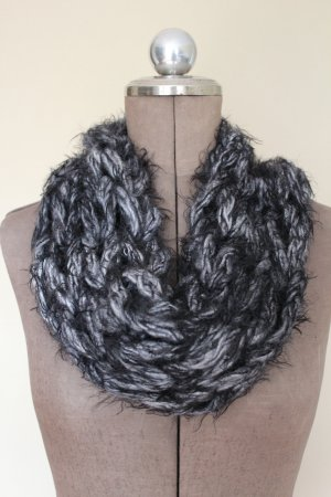 Tubesjaal wit-zwart Wol