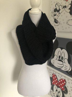Sciarpa lavorata a maglia nero