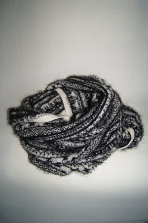 H&M Snood black-white