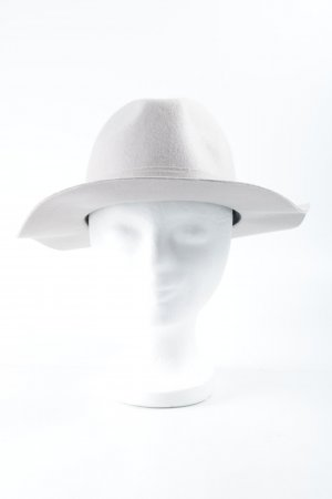 Loretta Lizzio for Element eden Felt Hat dusky pink street-fashion look