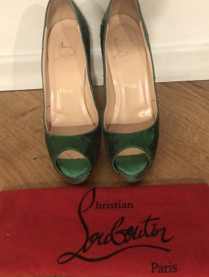 Christian Louboutin Peep Toe Pumps groen