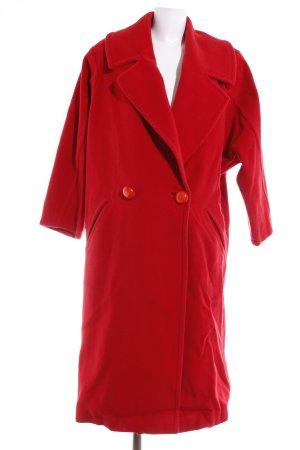 Louis Feraud Oversized Mantel ziegelrot Street-Fashion-Look