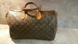 Louis Vuitton 35
