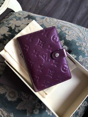 Louis Vuitton Cartera púrpura