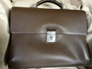Louis Vuitton Aktentasche Serie Robusto, Taiga Leder