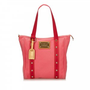 Louis Vuitton Antigua Hippo MM Shoulder Bag