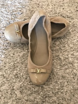 Louis Vuitton Lakleren ballerina's beige