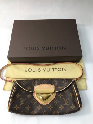 Louis Vuitton Beverly Clutch Monogram