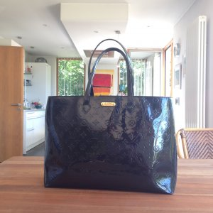 Louis Vuitton - Bleu Infini Wilshire GM Monogram Vernis Tasche
