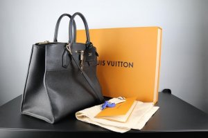 Louis Vuitton City Steamer GM