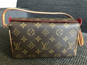Louis Vuitton, Clutch