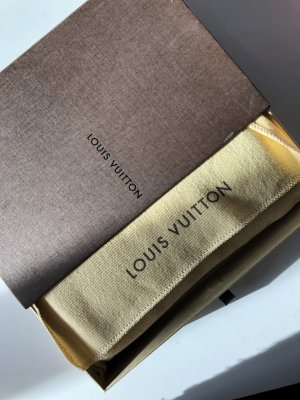 Louis Vuitton Cartera marrón oscuro
