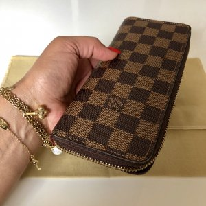 {{ Louis Vuitton Geldbörse }}
