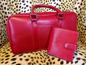 Louis Vuitton Geldbörse Epi Leder passend zur Tasche