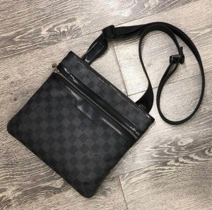 Louis Vuitton Bolso negro-gris antracita Cuero