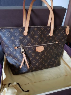 Louis Vuitton IÉNA MM
