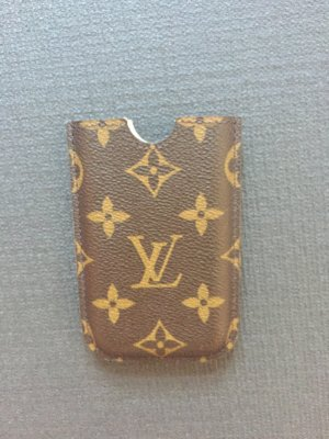 Louis Vuitton iPhone 4 Hülle in LV Farben