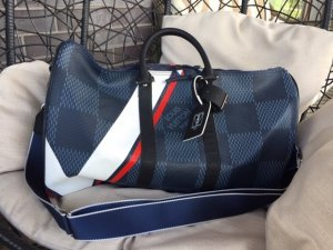 Louis Vuitton Bolsa de gimnasio multicolor