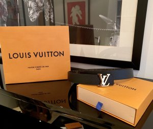 Louis Vuitton Cinturón reversible negro-color bronce