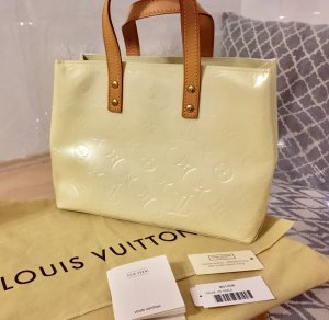 Louis Vuitton Monogram Vernis Reade PM