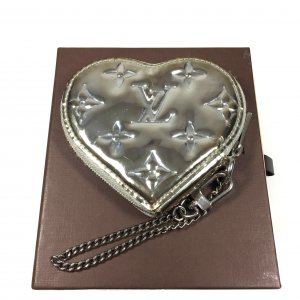 Louis Vuitton Münzgeldbörse in Herz-Form Monogram Miroir Silber Metallic