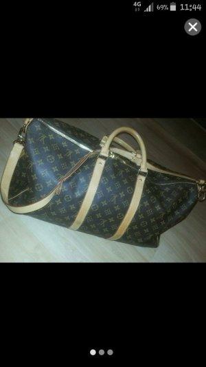Louis Vuitton Must have ;-)