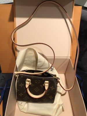 Louis Vuitton Nano Speedy - überall ausverkauft