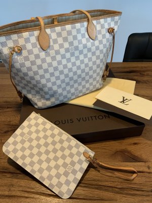 Louis Vuitton Neverfull Damier MM