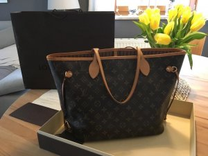 Louis Vuitton Neverfull MM in Monogram