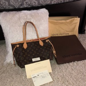 Louis Vuitton Neverfull Monogram Pm